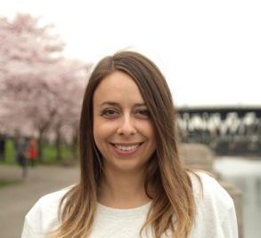 Jennifer Zaczek Headshot